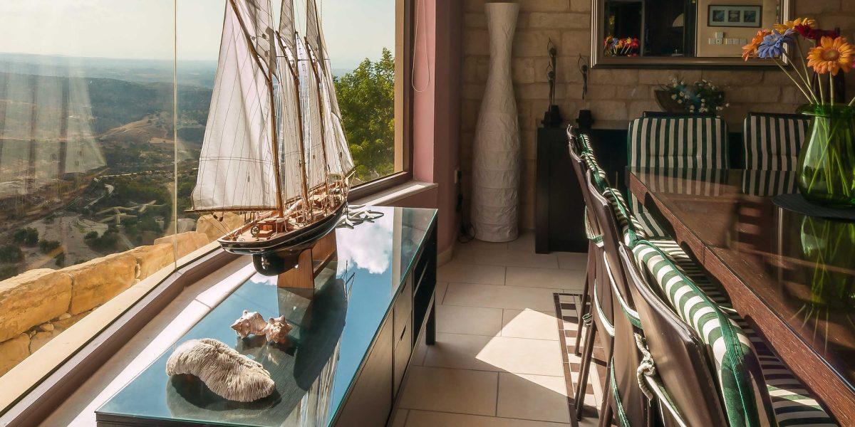 dining-room-1737165_1920